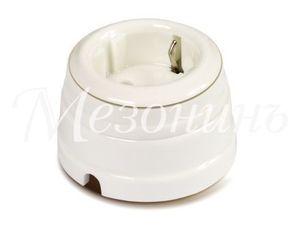 Розетка фарфоровая двухполюсная с заземляющим контактом, цвет - платина на белом