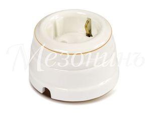Розетка фарфоровая двухполюсная с заземляющим контактом, цвет - золото на белом